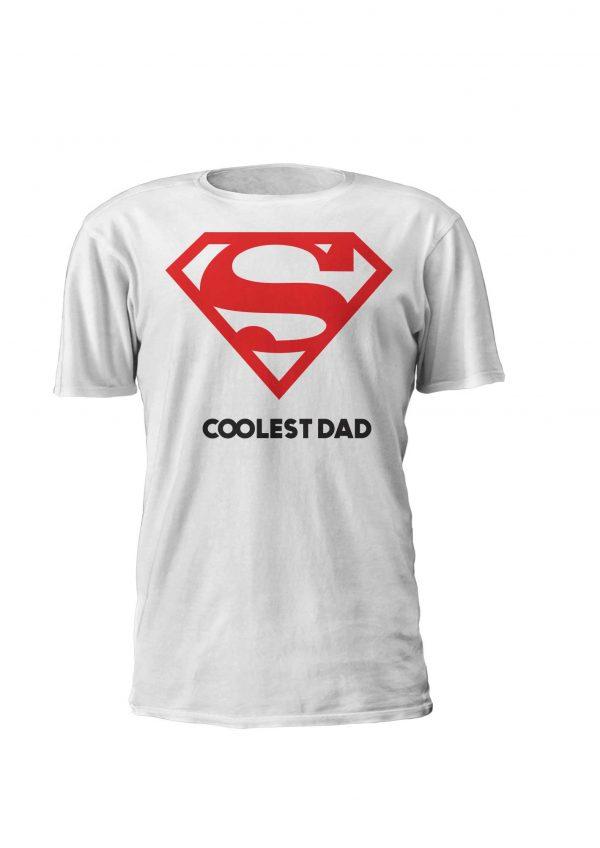 Coolest Dad, o design para os pais mais fixes do planeta! Disponivel em T-shirt e Sweatshirt, do S ao XL em branco preto ou cinza. Já tens a tua prenda para o dia do pai?